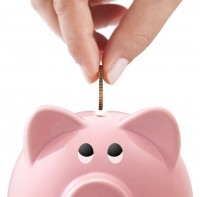 saving-with-a-piggy-bank
